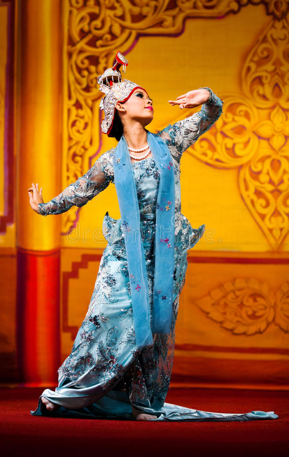 Burmese Dance - Asian Traditional Theatre and Dance. YANGON, MYANMAR - JANUARY 25: Girl performing traditional Burmese dance in Karaweik Hall on January 25, 2011 stock photos