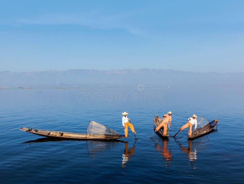 Burmese fiskare på Inle sjön, Myanmar arkivbild