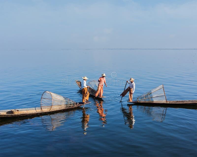 Burmese fiskare på Inle sjön, Myanmar arkivfoto