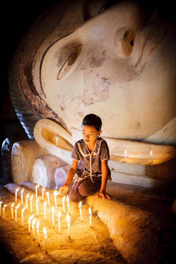 Burmese flicka royaltyfria bilder