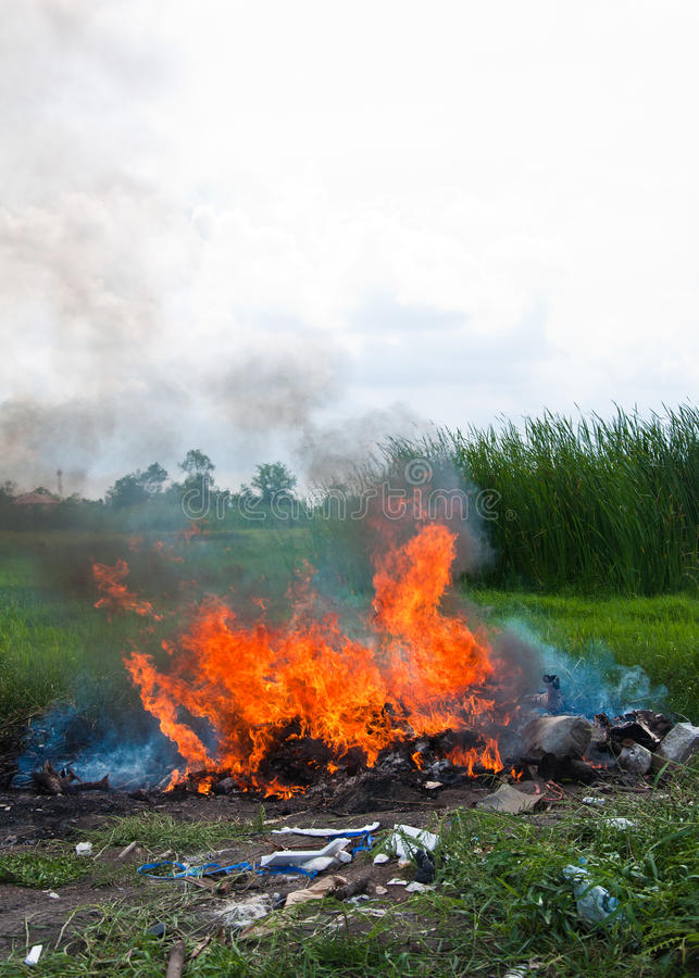 Download Burn Refuse, Poisonous Smoke Stock Photo - Image: 24420654