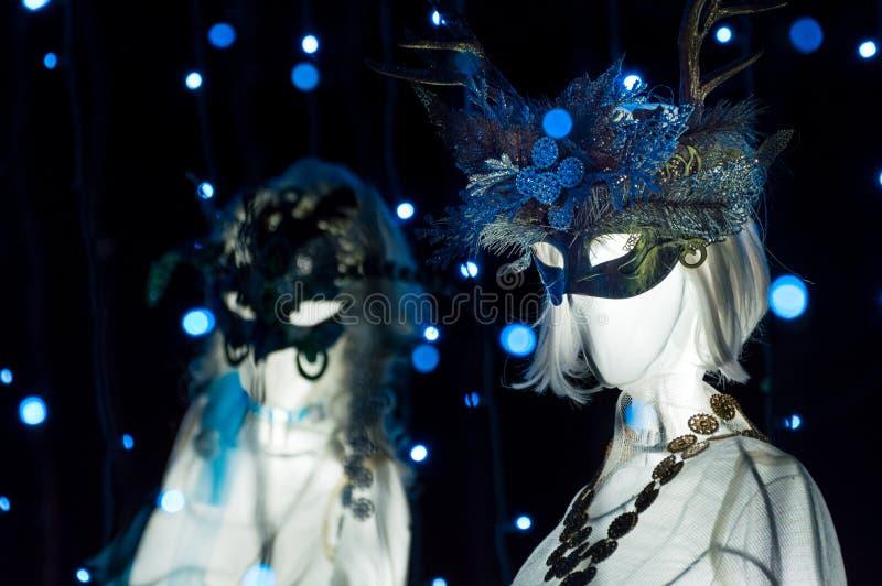 Burnaby, BC - 31. Dezember 2018: 9 Damen, die Weihnachtsanzeige, Burnaby-Dorf-Museum tanzen stockbilder