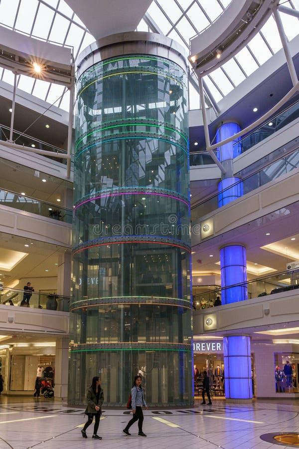 Burnaby, CANADA - 21 septembre 2018 : vue int?rieure de m?tropole au centre commercial de Metrotown image libre de droits