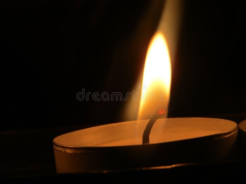 Burning della candela immagini stock