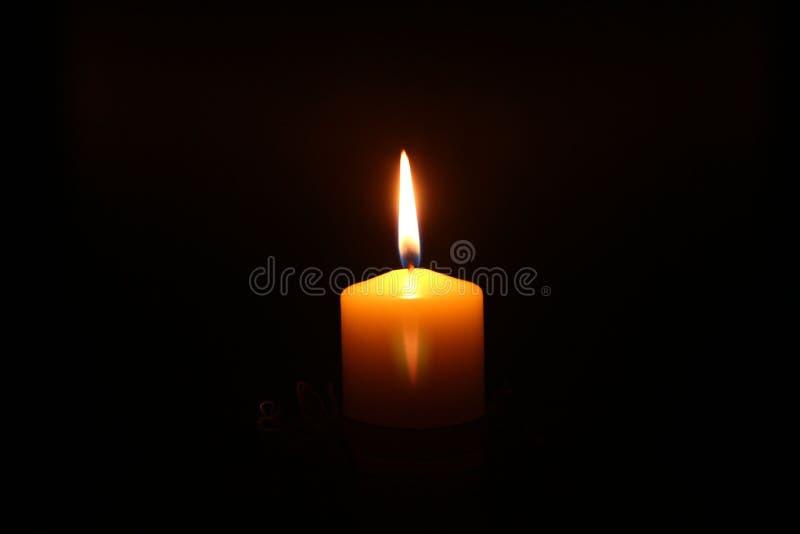 Burning della candela fotografia stock libera da diritti