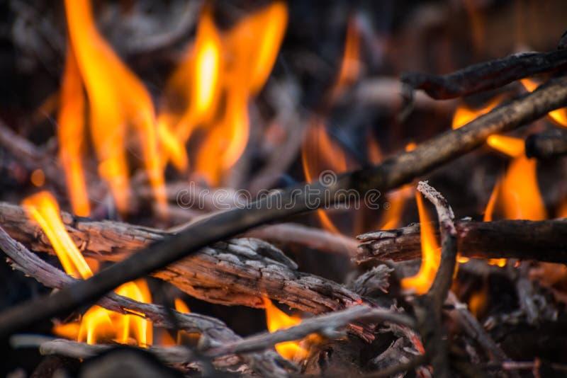 Burning do incêndio violento fotografia de stock
