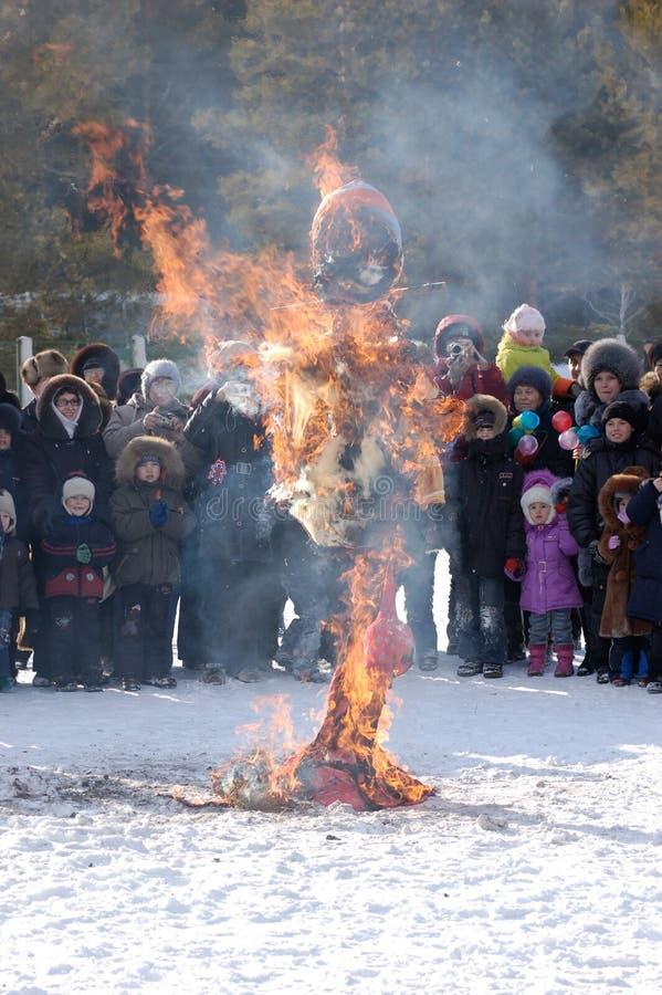 burning effigyshrovetidevinter royaltyfri fotografi