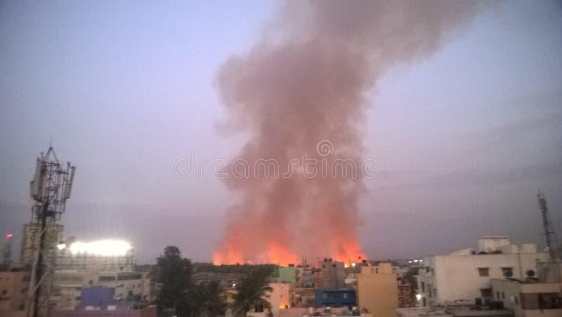 burning stad royaltyfria foton