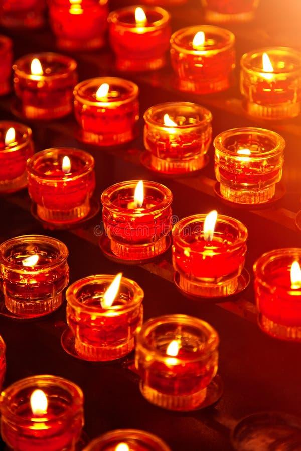 Download Burning stearinljus fotografering för bildbyråer. Bild av andlighet - 19798405