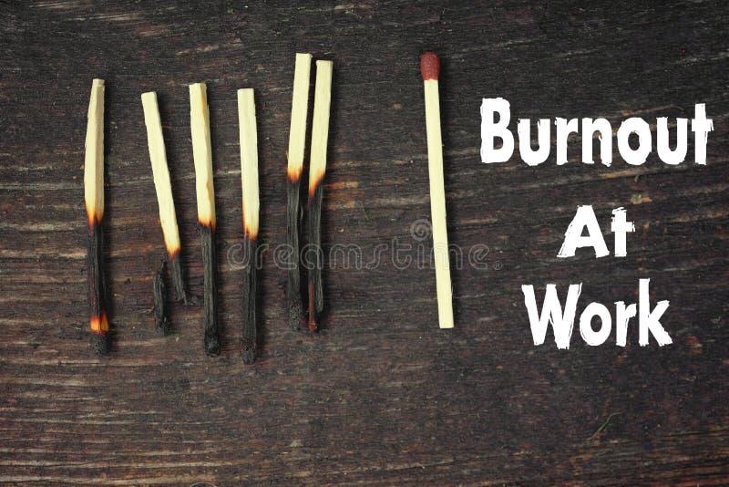Burnout bei der Arbeit stockbilder