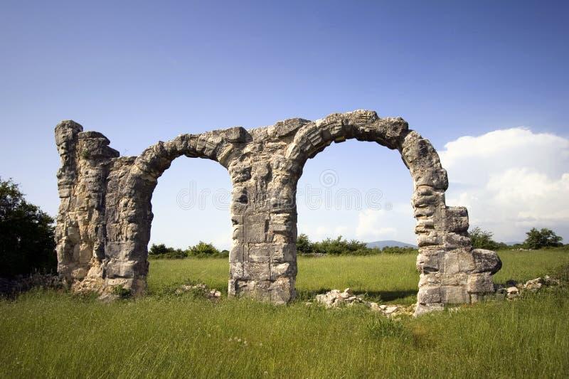 Las ruinas de la legión romana acampan en el parque nacional Krka, Croacia imagen de archivo