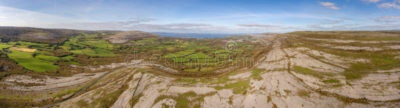 burren国家公园在县克莱尔,爱尔兰 美好的风景看法 库存图片