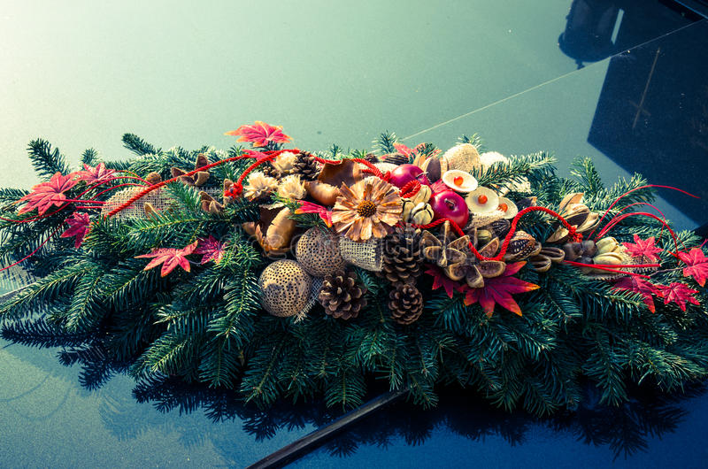 Burrial wreath on grave stock images
