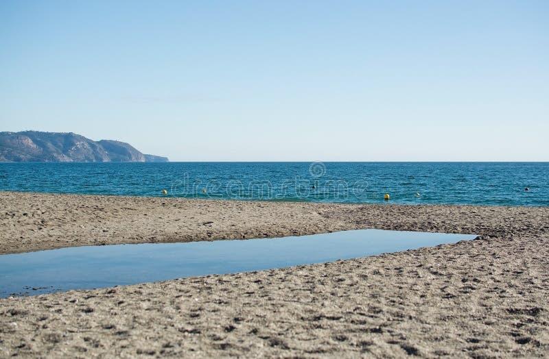 Burriana sandig strand och blåtthav royaltyfri foto