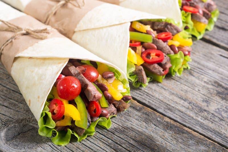 Burrito avec du boeuf images stock