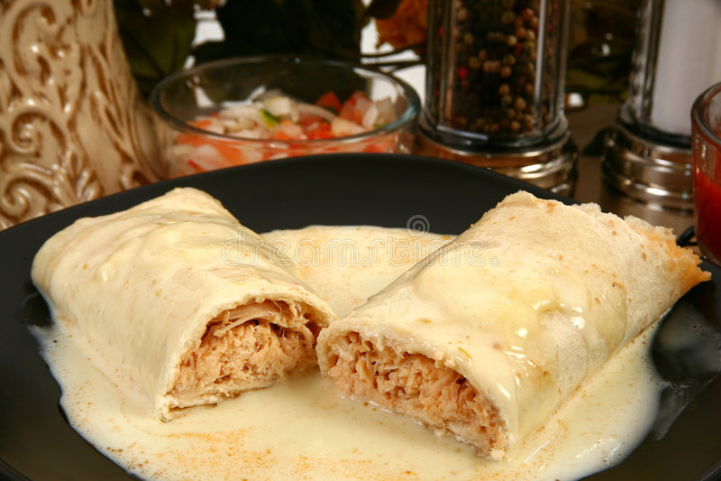 Burrito de poulet image stock