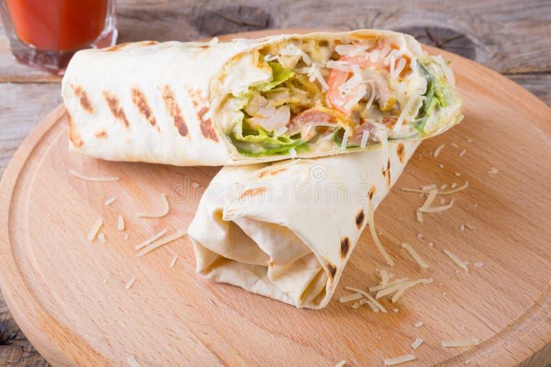 Burrito del pollo con formaggio immagine stock