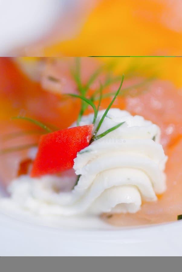 Download Burro e salmoni fotografia stock. Immagine di ristorante - 3884616