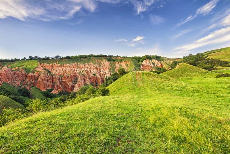 Burrone rosso - Rapa Rosie - Romania, Alba Iulia immagine stock