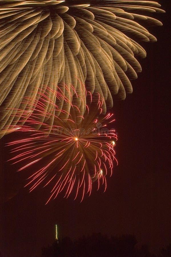 Burst dei fuochi d'artificio immagine stock