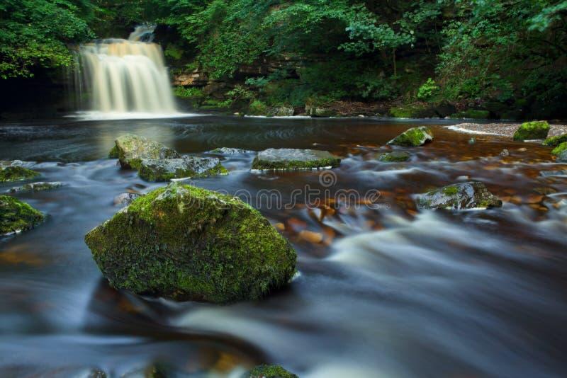 Burton ocidental cai, os Dales NP de Yorkshire, Reino Unido fotos de stock royalty free