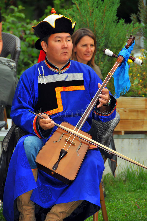 Buryat Tanz-Gruppe lizenzfreie stockbilder