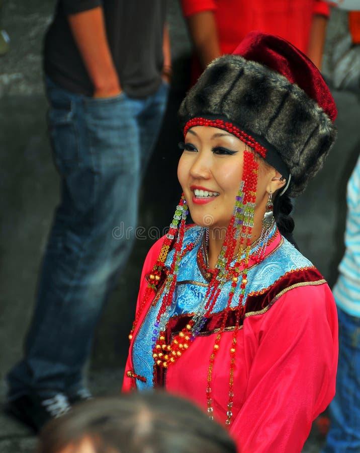 Buryat Tanz-Gruppe stockfotos