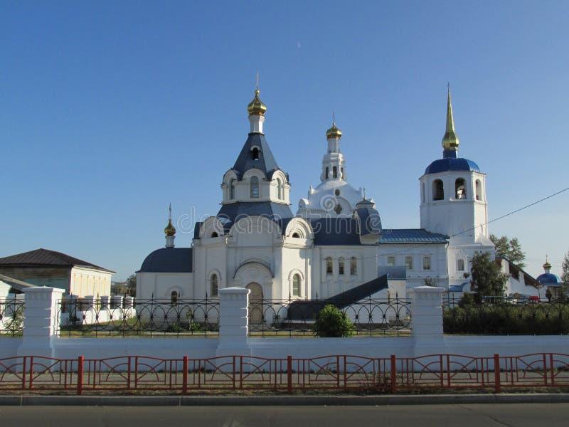 Buryatia Ulan-Ude, Odigitrievsky domkyrka i sommaren royaltyfri foto