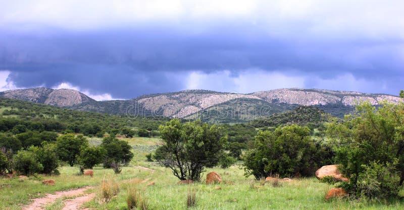 Burz chmury nad Montain fotografia stock