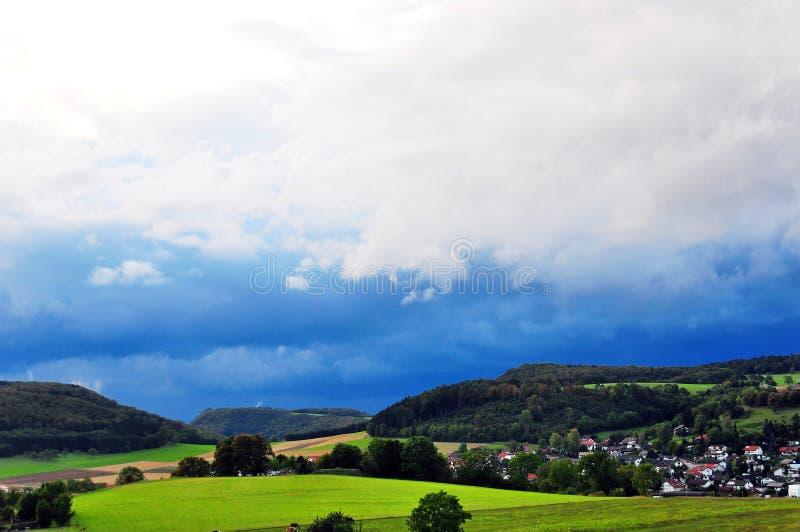Burza nad wzrostami Szwabska Alba zdjęcie stock
