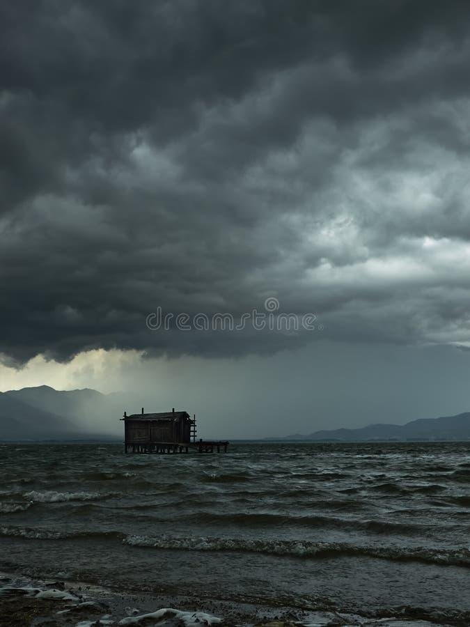 Burza przychodzi obrazy stock