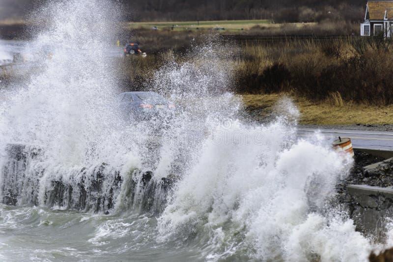 Burza roztrzaskuje Rhode - wyspy wybrzeże zdjęcia stock