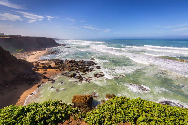 Burzowa Atlantyk brzegowa pobliska sprzedaż, Maroko obrazy royalty free