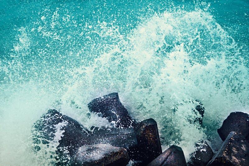 Burzowe morze fala zdjęcia royalty free