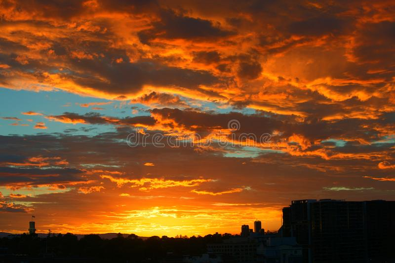 Burzowy wschód słońca od balkonowego Melbourne zdjęcia royalty free