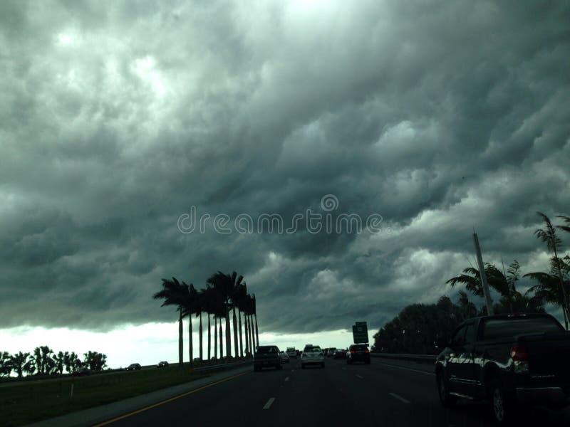Burzy niebo zdjęcie stock