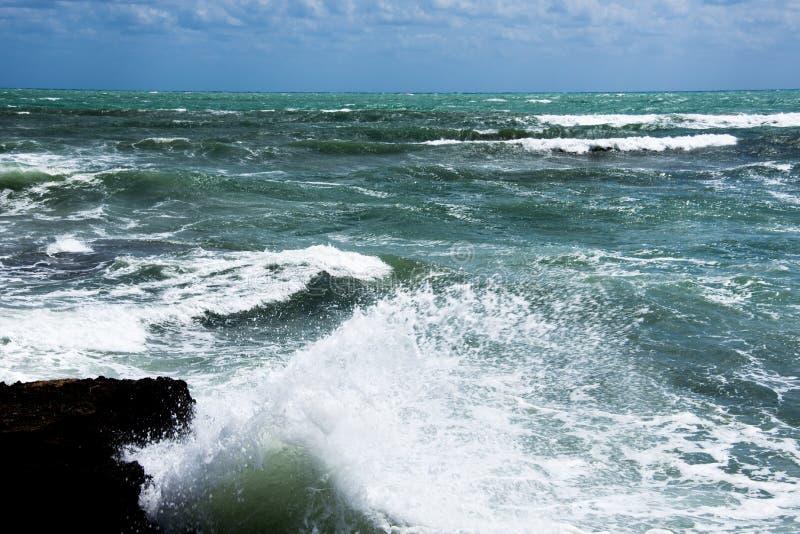 Burzy wybrzeże morze śródziemnomorskie Hiszpania obraz stock
