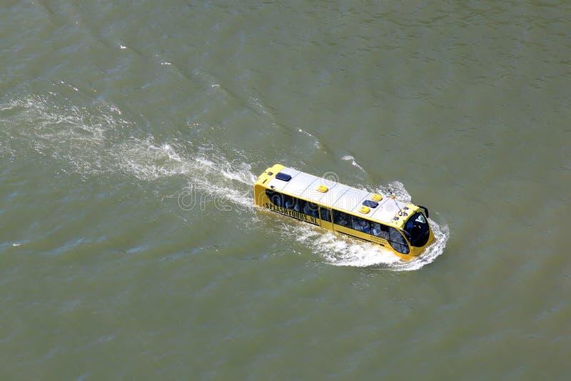 Bus amfibio a Rotterdam, Olanda fotografia stock libera da diritti