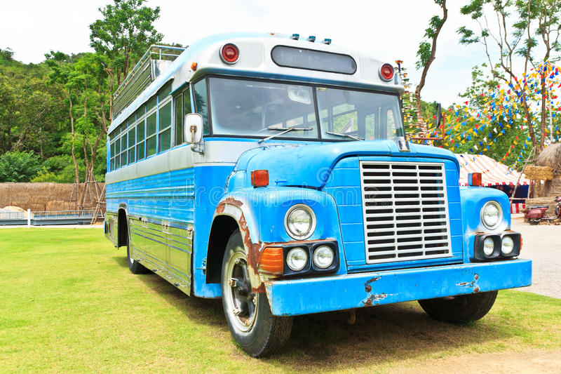 Bus blu d'annata fotografia stock libera da diritti