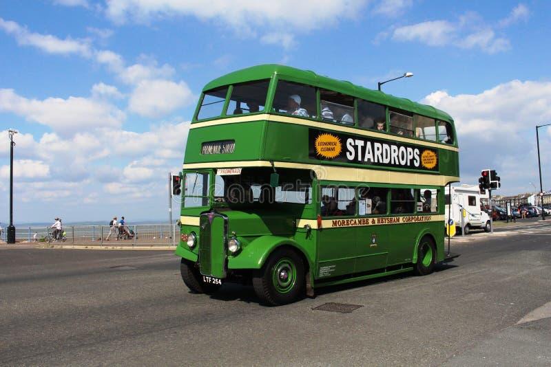 Bus d'annata della piattaforma del reggente 111 di CEA doppio, Morecambe fotografia stock
