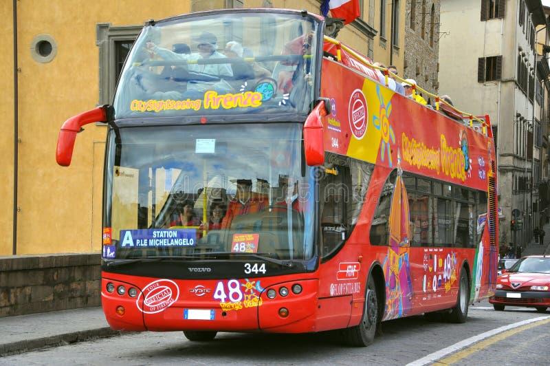 Bus d'excursion à Florence, Italie photographie stock libre de droits