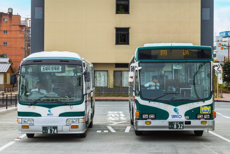 Bus della città e bus del ciclo nella città di Ise nella prefettura di Mie fotografie stock libere da diritti