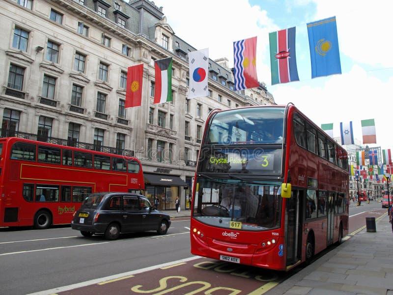 Bus des doppelten Deckers in der Regentstraße