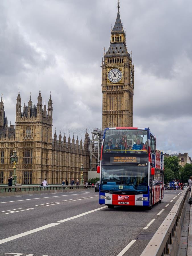 Bus facente un giro turistico, Londra fotografia stock