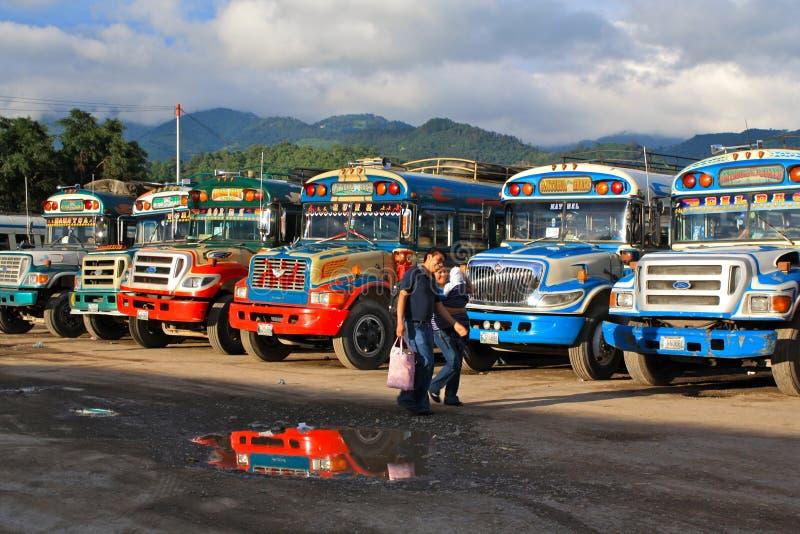 Bus guatémaltèques de poulet images libres de droits