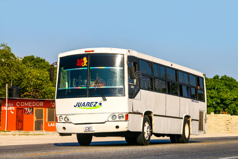 Bus interurbano della vettura fotografie stock