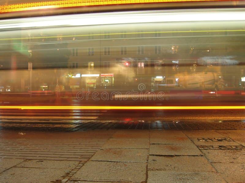 Bus La Nuit Images libres de droits