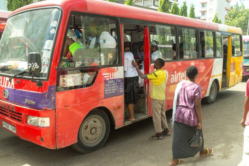 Bus locaux de Dar Es Salaam image libre de droits