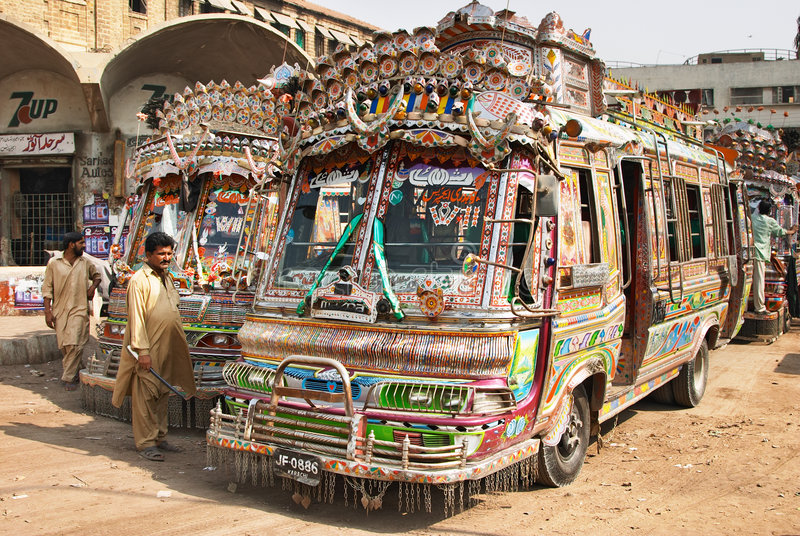 Bus locaux de Pakistanais images libres de droits