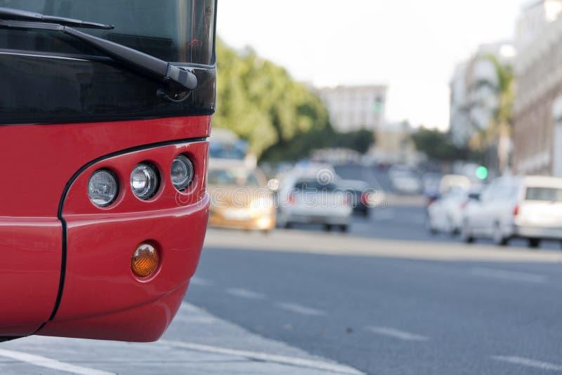 Bus stationné images libres de droits